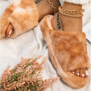 🌈Above the Clouds Collection furry slippers